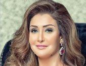 """غادة عبد الرازق تترك منزلها فى جولة لشوارع وفنادق القاهرة مع """"أرض جو"""""""