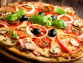 روبوت جديد متخصص فى صناعة البيتزا بأحد مطاعم باريس