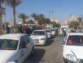 سائق تاكسى يصدم 3 سيارات بسبب السرعة الجنونية بشارع فيصل فى الجيزة