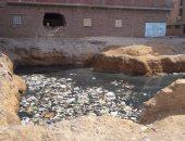 بالصور.. مياه جوفية تتسبب فى نقل الأمراض والأوبئة لأهالى مدينة فايد