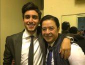 تيام مصطفى قمر ينشر صورة له مع مدحت صالح من مهرجان الموسيقى العربية