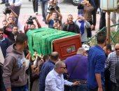 بالفيديو..جنازة محمود عبد العزيز تتحرك من مسجد الشرطة للمدافن بالإسكندرية