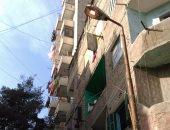 قارئ يرصد إضاءة أعمدة الكهرباء نهارا فى شارع الأصبغ بالزيتون