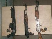 """ضبط 3 أسلحة آلية """"رشاش"""" بحوزة المتهمين بقتل شخصين بكرداسة"""