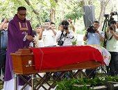 بالصور.. دفن جثمان دكتاتور الفلبين فى جنازة عسكرية فى مانيلا