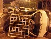 إصابة 3 أشخاص فى انقلاب سيارة ملاكى على الصحراوى الشرقى ببنى سويف