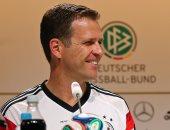 مدير منتخب ألمانيا يؤيد إلغاء قاعدة التسلل