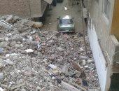 ضبط 6 سيارات نقل تلقى مخلفات على محال ورش صقر قريش بالبساتين