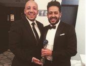 رامى محسن يحتفل بفوز محمد حماقى بجائزة أفضل فنان فى الشرق الأوسط