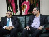 زياد بهاء الدين يزور نقابة الصحفيين للتضامن مع يحيى قلاش وعضوى المجلس