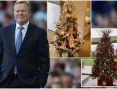 بالصور.. جمهور  إيفرتون يجبر كومان على تغيير لون شجرة الكريسماس