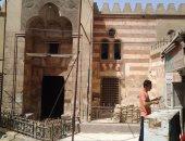 قارئ يشكو من تراكم القمامة أمام مسجد قايتباى بالقاهرة