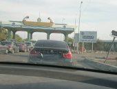 تداول صور لسيارة بدون لوحات معدنية بنفق الشهيد أحمد حمدى