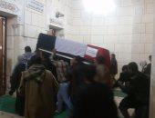 محافظ الفيوم ومدير الأمن يشاركان فى تشييع جنازة أمين شرطة شهيد حادث الهرم