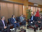 محافظ الإسماعيلية يناقش آليات دعم التنمية مع رئيس المصريين الأحرار