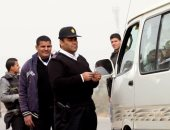 """""""مرور أسوان"""" ترصد 559 مخالفة وتضبط 4 سائقين لتعاطيهم المخدرات"""