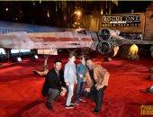 بالصور.. ريكى مارتن وخطيبه السورى جوان يوسف بالعرض الأول لفيلم Rogue One