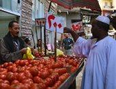 استقرار أسعار الخضروات والفاكهة بسوق العبور وانخفاض مستمر فى سعر الليمون