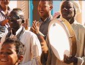 """أبو هشيمة يهدى أغنية لأهالى قرية """"توشكى - النوبة"""" قبل افتتاحها غدا"""