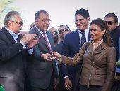 """بالصور.. وزير التنمية المحلية يشكر """"أبوهشيمة"""" ويصفه بـ""""المخلص"""" بعد جهوده بتوشكى"""