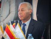 محافظ أسوان يصرف دعم وإعانات عاجلة للأندية واللجان الرياضية بـ 81 ألف جنيه