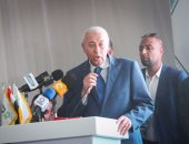 محافظ أسوان يحدد مواعيد افتتاح 50 مشروعًا كبيرا فى 2017