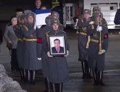 فيديو لحظة وصول جثمان السفير الروسى بأنقرة لموسكو.. وجنازة رسمية له