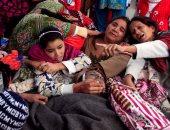 بالصور.. مصرع 23 شخصا إثر تناول كحول سام فى وسط باكستان