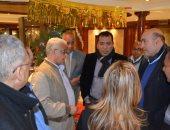 محافظ الأقصر يلتقى بوفد من أبناء الجالية المصرية بأمريكا خلال زيارتهم للمحافظة