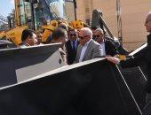 محافظ بورسعيد يوجه رؤساء الأحياء بعمل خطة لرفع كفاءة معدات النظافة
