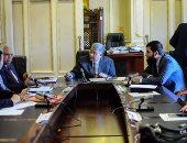 """""""تعليم البرلمان"""" تستدعى رئيس الوزراء لحل أزمة توقف رواتب 230 ألف متعاقد"""