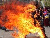 """على طريقة """"بوعزيزى"""".. بائع يشعل النار فى نفسه بتونس لمنعه من بيع الفراولة"""