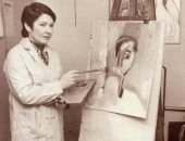 ثلاثة فنانين يهدون أربع لوحات لمتحف الملكة فريدة