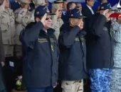 الرئيس السيسى يرتدى زى القوات البحرية ويؤدى التحية لطابور العرض العسكرى