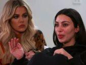 بالفيديو..كيم كاردشيان تنهار وتروى لأول مرة كواليس حادث سرقتها فى باريس