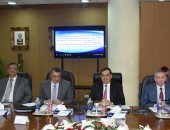 شركات البترول بالإسكندرية تنفذ مشروع تطوير طريقى أرض النهضة والسد العالى