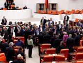 """البرلمان التركى يتبنى قانونا """"لمكافحة الإرهاب"""" بدلا من حالة الطوارىء"""