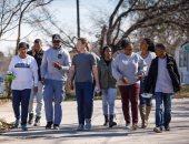 مارك زوكربيرج يبدأ تحدى العام بزيارة تكساس ومقابلة عدد من طلاب المدارس
