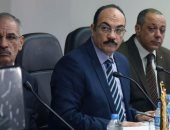 محافظ الإسكندرية :إجراءات احترازية لمكافحة مرض أنفلونزا الطيور والحمى القلاعية