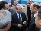 توزيع سلع غذائية بأسعار مخفضة بالتعاون بين محافظة دمياط ومديرية الأمن