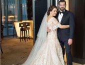 عمرو يوسف ينشر أول صورة بعد زواجه من كندة علوش ويعلق: صباح الورد