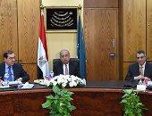 بالصور.. تفاصيل اجتماع رئيس الوزراء بوزير البترول لبحث خطة الوزارة