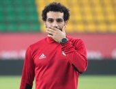 بالفيديو.. محمد صلاح يتقمص دور الطبيب فى مران المنتخب بسبب عمر جابر