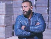 أحمد السقا ينعى ضحايا طلبة جامعة الإسكندرية فى حادث نويبع