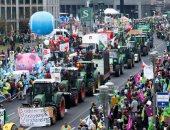 بالصور..مزارعو برلين يحتجون بالجرارات ضد استخدام الهندسة الوراثية بالزراعة