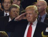 بالصور.. دونالد ترامب يؤدى التحية العسكرية للعرض العسكرى فى البيت الأبيض