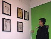 """أول صور حصرية لرسم معاذ """"فتى سلم المترو"""" بمعرض على الراوى قبل افتتاحه"""