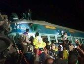 بالصور.. ارتفاع ضحايا خروج قطار عن القضبان فى الهند إلى 23 قتيلا