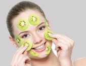 3 وصفات طبيعية باستخدام الكيوى لجمال بشرتك