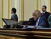 """على عبد العال للنواب فى جلسة """"تعويضات المقاولات"""": واضح إن المجلس كله مقاولين"""